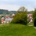 Wiese-Weg-Dorf